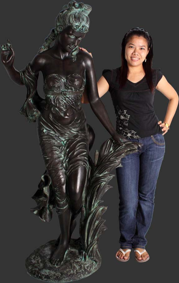 Susanna Bronze Finish / Fiberglass