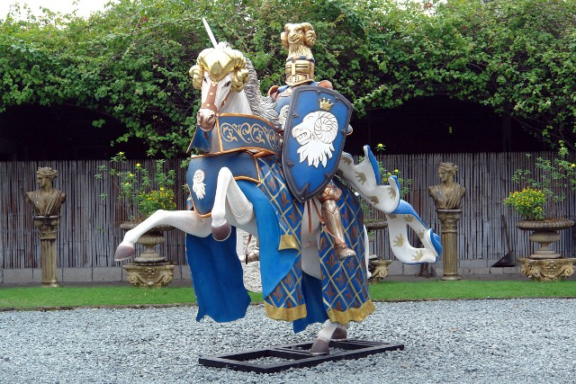 Blue Knight on Horse 8.5 ft. - Click Image to Close