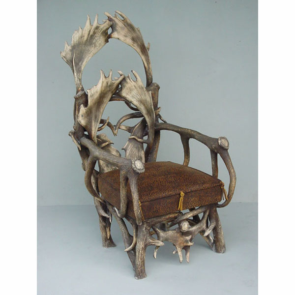 Antler Gentleman's Chair with Arms
