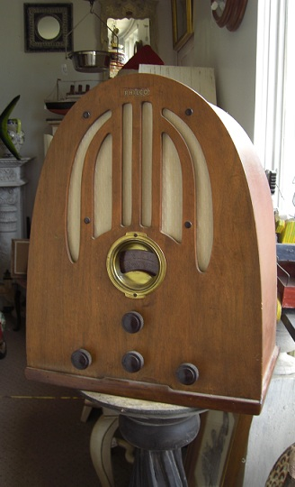 Antique Radio \'\'Philco\'\'